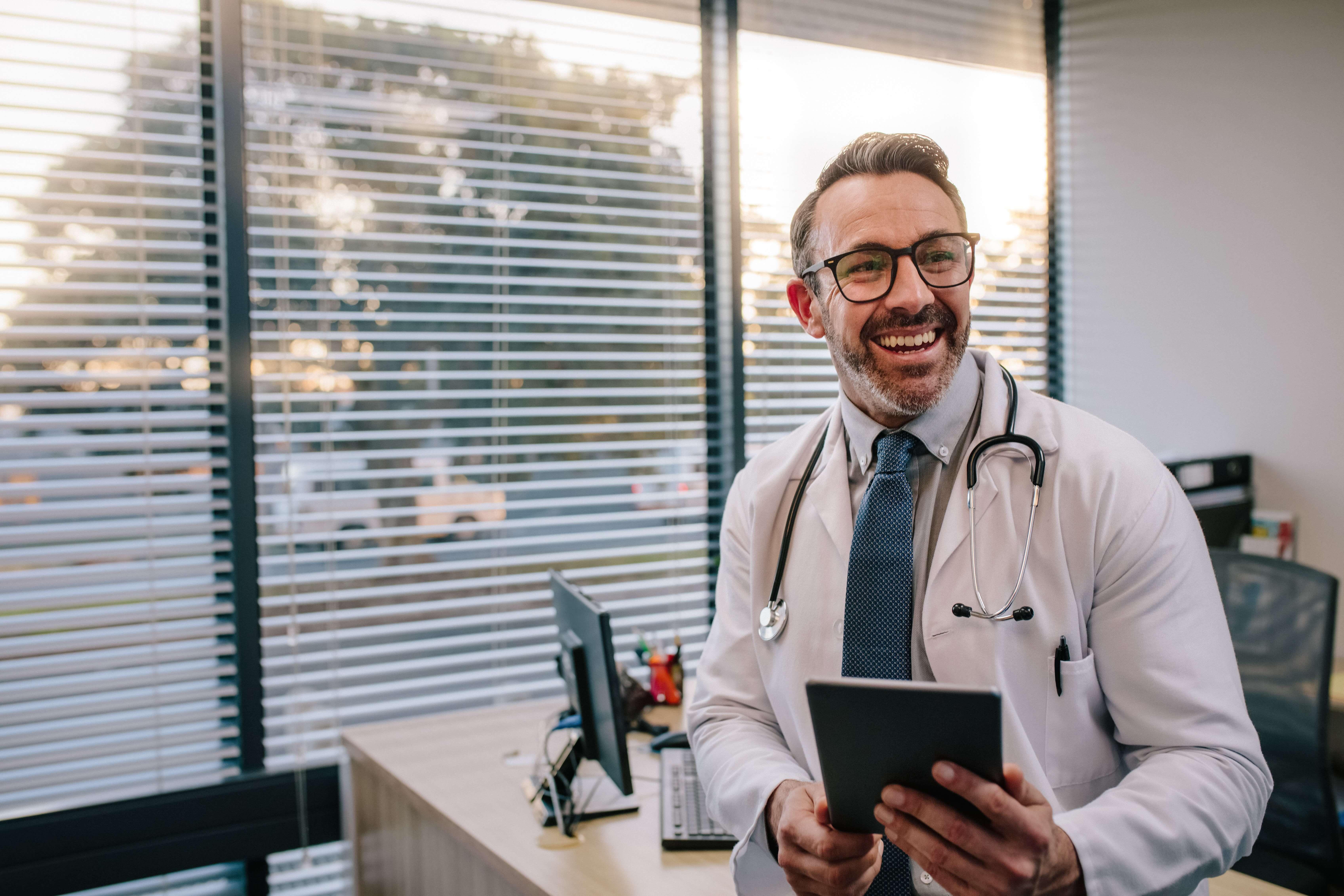 Marketing médico: o que é, qual a importância e como fazer dentro das regras?