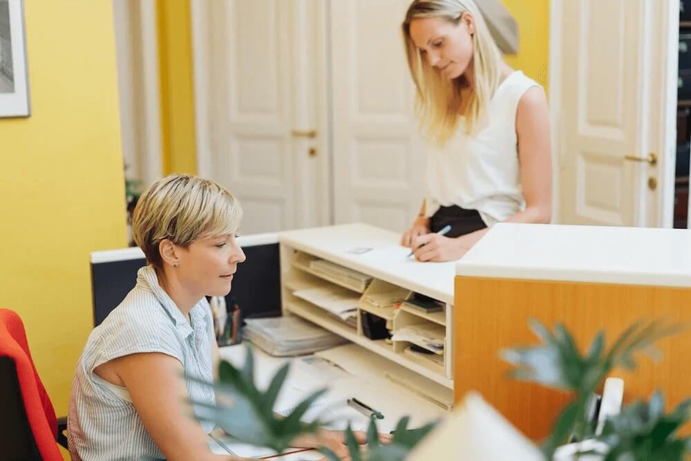 Dicas de gestão para secretárias de clínicas e consultórios